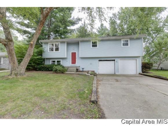 620 Magnolia, Chatham, IL 62629 (MLS #185357) :: Killebrew & Co Real Estate Team
