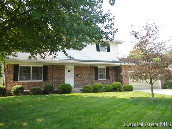37 Westfair Dr, Jacksonville, IL 62650 (MLS #185439) :: Killebrew & Co Real Estate Team