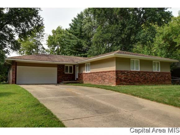 2824 Stony Point Ct, Springfield, IL 62704 (MLS #185440) :: Killebrew & Co Real Estate Team