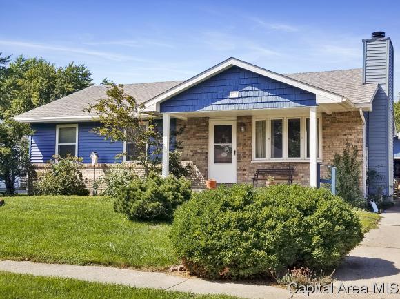 113 Walnut Valley Dr, Springfield, IL 62707 (MLS #185455) :: Killebrew & Co Real Estate Team