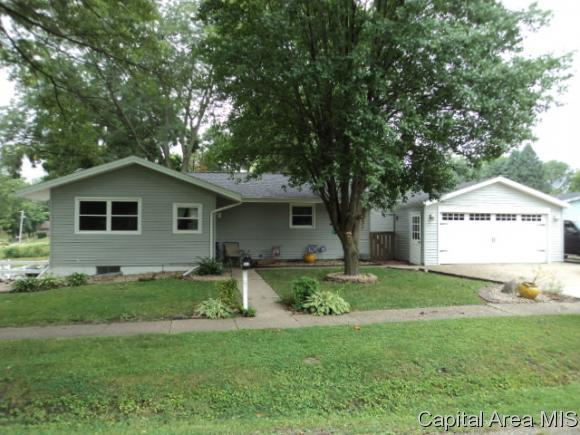 506 S Timber St, Knoxville, IL 61448 (MLS #185483) :: Killebrew & Co Real Estate Team
