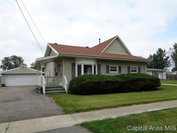 217 S. State St., E. Galesburg, IL 61430 (MLS #185508) :: Killebrew & Co Real Estate Team