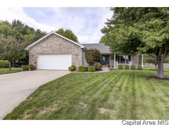 200 Gloucester Ct, Chatham, IL 62629 (MLS #185549) :: Killebrew & Co Real Estate Team