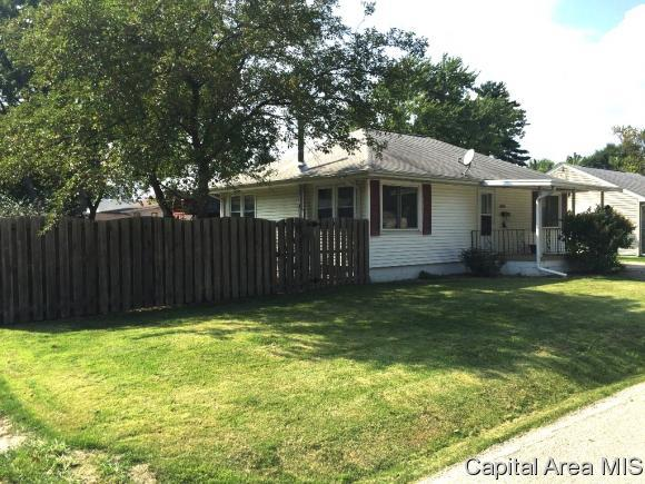 3005 S 3RD ST, Springfield, IL 62703 (MLS #185635) :: Killebrew & Co Real Estate Team