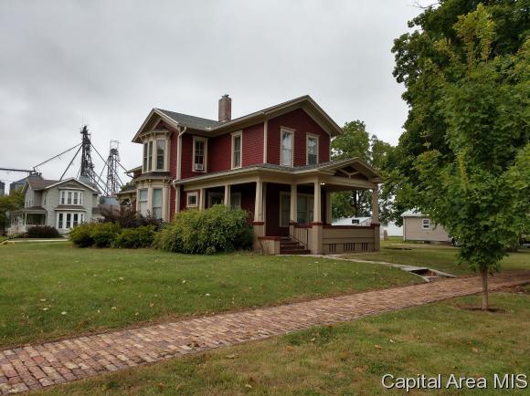 301 E North St, Knoxville, IL 61448 (MLS #185642) :: Killebrew & Co Real Estate Team