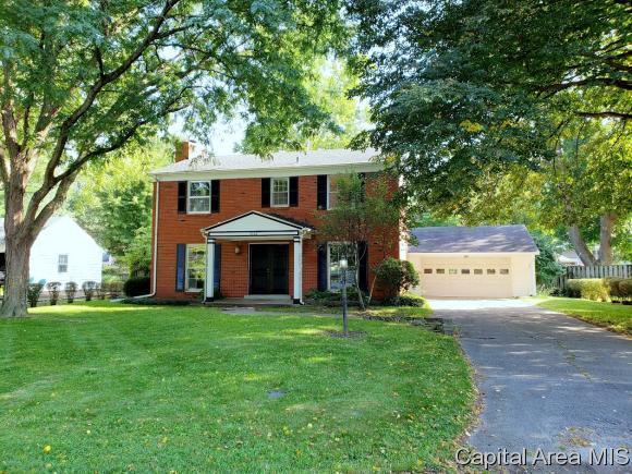 2142 Greenbriar Rd, Springfield, IL 62704 (MLS #185670) :: Killebrew & Co Real Estate Team