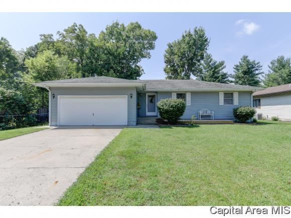 3413 Saint Francis Dr, Springfield, IL 62703 (MLS #185690) :: Killebrew & Co Real Estate Team