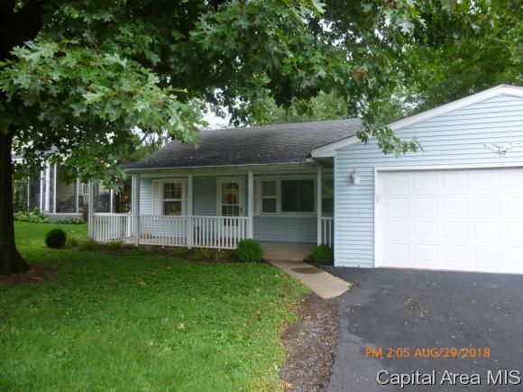 1844 Mound Rd, Jacksonville, IL 62650 (MLS #185712) :: Killebrew & Co Real Estate Team