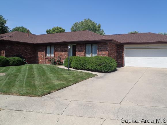 2605 Cooper Ave, Springfield, IL 62704 (MLS #185723) :: Killebrew & Co Real Estate Team