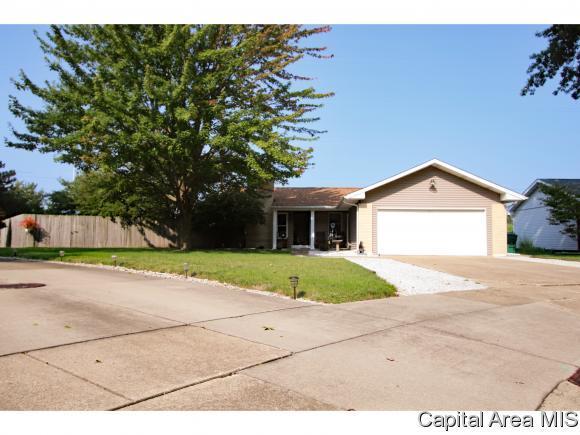 113 Bristol, Springfield, IL 62702 (MLS #185734) :: Killebrew & Co Real Estate Team