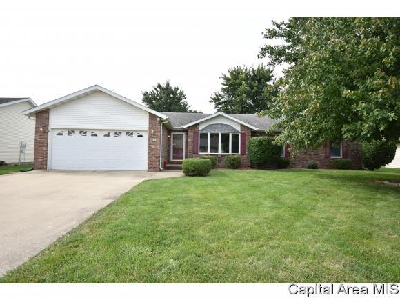 816 Whispering Pines Dr, Chatham, IL 62629 (MLS #185782) :: Killebrew & Co Real Estate Team