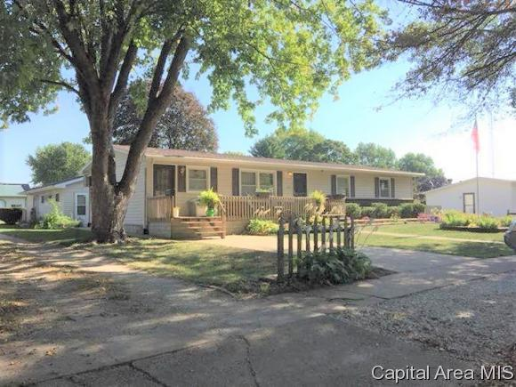 231 W Washington, Virginia, IL 62691 (MLS #185804) :: Killebrew & Co Real Estate Team