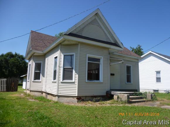 423 S Clay, Jacksonville, IL 62650 (MLS #185832) :: Killebrew & Co Real Estate Team