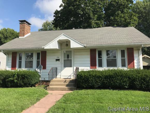 148 E Pennsylvania, Jacksonville, IL 62650 (MLS #185834) :: Killebrew & Co Real Estate Team