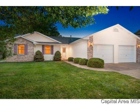 4237 Clearwater Ln, Springfield, IL 62703 (MLS #185868) :: Killebrew & Co Real Estate Team