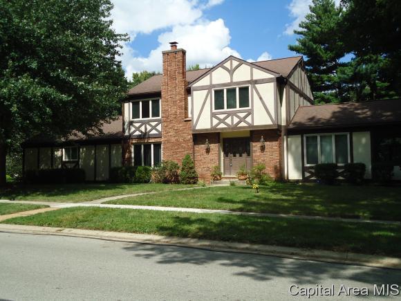 3005 Victoria Dr, Springfield, IL 62704 (MLS #185873) :: Killebrew & Co Real Estate Team
