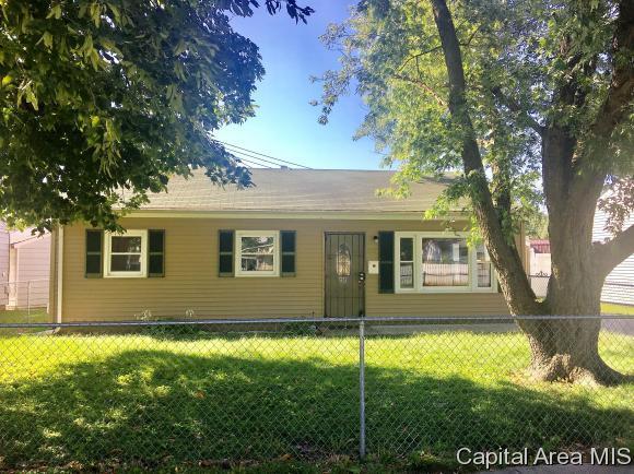 2314 E Black Ave, Springfield, IL 62702 (MLS #185885) :: Killebrew & Co Real Estate Team