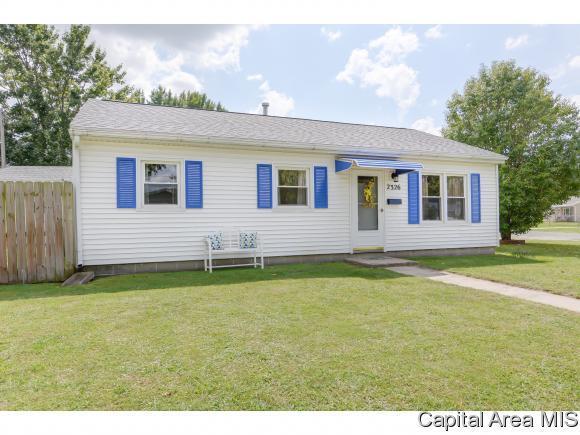 2326 E Black Ave, Springfield, IL 62702 (MLS #185889) :: Killebrew & Co Real Estate Team
