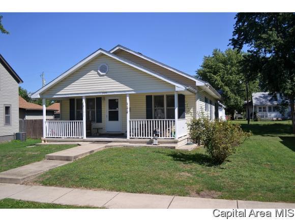209 E Franklin, Roodhouse, IL 62082 (MLS #185954) :: Killebrew & Co Real Estate Team