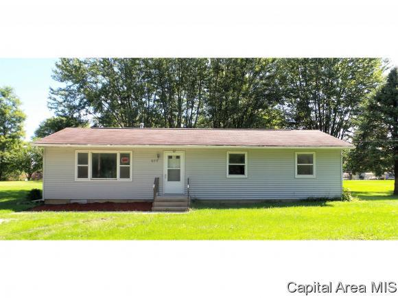 699 Whiting Ave, Galesburg, IL 61401 (MLS #185960) :: Killebrew & Co Real Estate Team