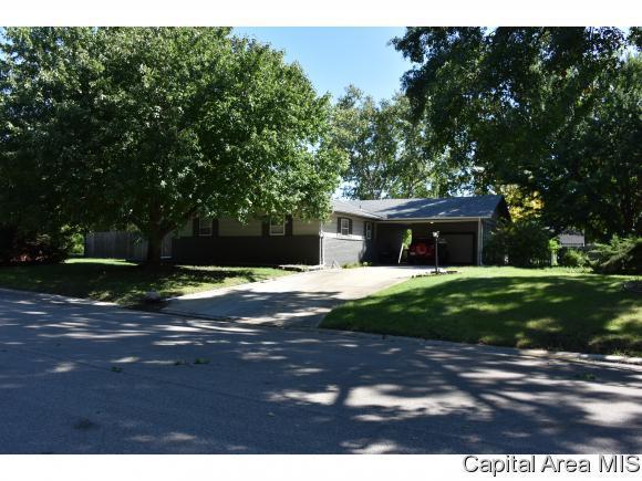 2 Oakmont Dr, Springfield, IL 62704 (MLS #186001) :: Killebrew & Co Real Estate Team