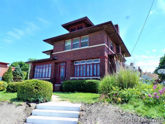 748 E Main St., Galesburg, IL 61401 (MLS #186024) :: Killebrew & Co Real Estate Team