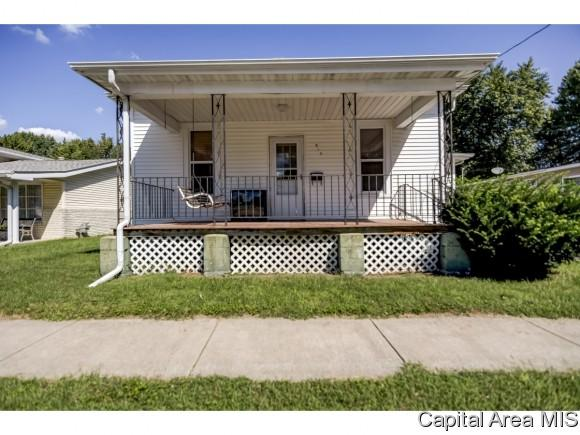 813 W Adams St., Taylorville, IL 62568 (MLS #186043) :: Killebrew & Co Real Estate Team