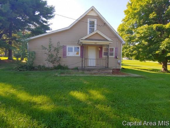 325 W Breckenridge, Blandinsville, IL 61420 (MLS #186083) :: Killebrew & Co Real Estate Team