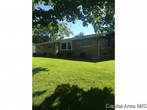 937 Flossmore Dr, Springfield, IL 62711 (MLS #186094) :: Killebrew & Co Real Estate Team