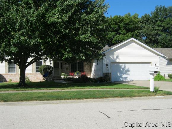 1099 Willowbrook Dr, Springfield, IL 62711 (MLS #186110) :: Killebrew & Co Real Estate Team