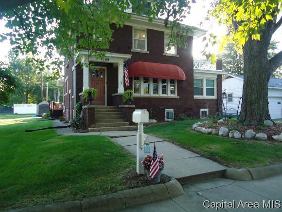 1309 Washington St, Beardstown, IL 62618 (MLS #186122) :: Killebrew & Co Real Estate Team