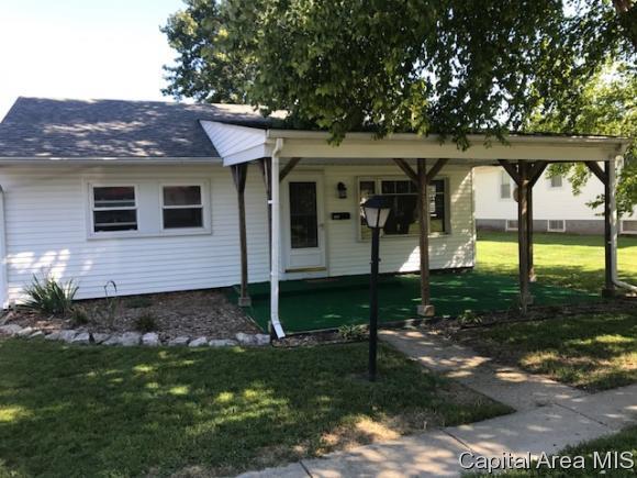 109 W Briggs Ave, Roodhouse, IL 62082 (MLS #186135) :: Killebrew & Co Real Estate Team