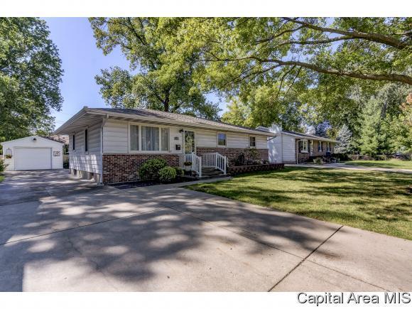 2212 W. Washington St., Springfield, IL 62702 (MLS #186147) :: Killebrew & Co Real Estate Team