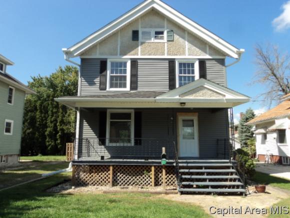 334 Locust St, Galesburg, IL 61401 (MLS #186148) :: Killebrew & Co Real Estate Team