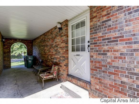 2432-2434 W Lawrence, Springfield, IL 62704 (MLS #186164) :: Killebrew & Co Real Estate Team