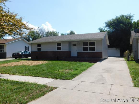 2730 E Black Ave, Springfield, IL 62702 (MLS #186173) :: Killebrew & Co Real Estate Team