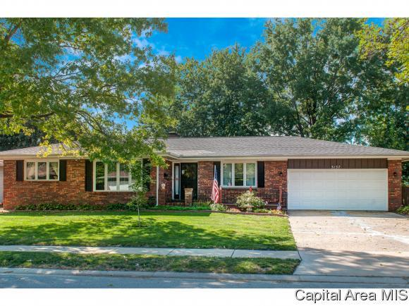 3137 Temple Dr, Springfield, IL 62704 (MLS #186185) :: Killebrew & Co Real Estate Team