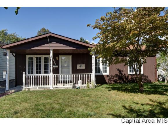 2569 Somerton Rd, Springfield, IL 62702 (MLS #186218) :: Killebrew & Co Real Estate Team