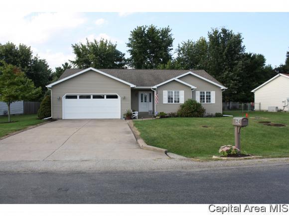 204 E Lynwood Dr, Athens, IL 62613 (MLS #186244) :: Killebrew & Co Real Estate Team