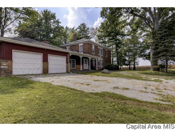 6650 Salisbury Cemetery Rd, Pleasant Plains, IL 62677 (MLS #186249) :: Killebrew & Co Real Estate Team