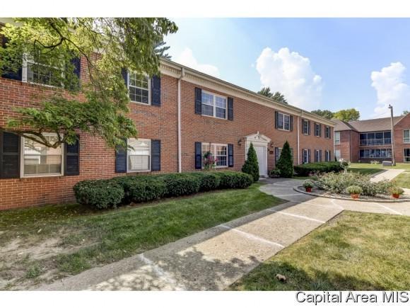 1309 S Douglas Ave Unit E, Springfield, IL 62704 (MLS #186269) :: Killebrew & Co Real Estate Team