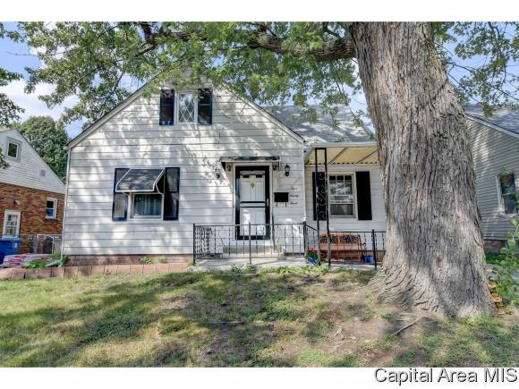 523 W Chenery St, Springfield, IL 62704 (MLS #186271) :: Killebrew & Co Real Estate Team