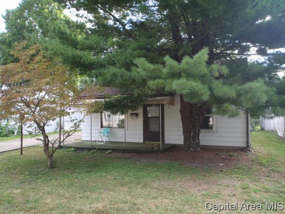 3018 S 3RD ST, Springfield, IL 62703 (MLS #186274) :: Killebrew & Co Real Estate Team