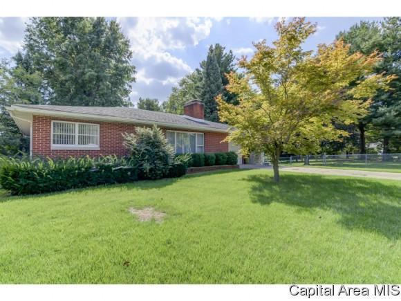 1608 W Enos, Springfield, IL 62702 (MLS #186279) :: Killebrew & Co Real Estate Team