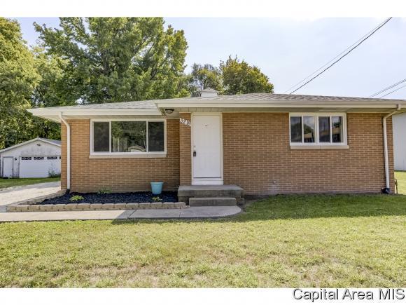 3218 E Enos Ave, Springfield, IL 62702 (MLS #186287) :: Killebrew & Co Real Estate Team
