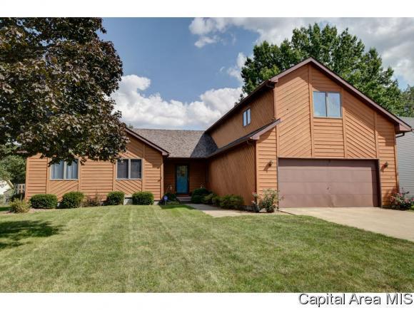 178 Wisteria, Springfield, IL 62694 (MLS #186350) :: Killebrew & Co Real Estate Team