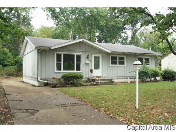 142 Dawn Dr, Springfield, IL 62702 (MLS #186352) :: Killebrew & Co Real Estate Team