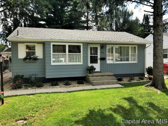 1286 E. Fremont St, Galesburg, IL 61401 (MLS #186375) :: Killebrew & Co Real Estate Team