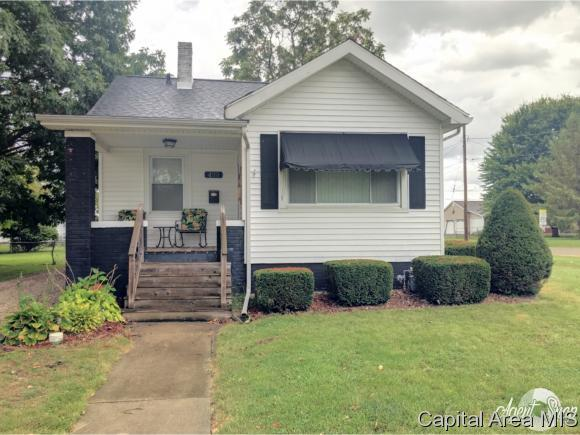 499 Irwin St, Galesburg, IL 61401 (MLS #186377) :: Killebrew & Co Real Estate Team