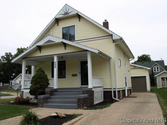 889 W North St, Galesburg, IL 61401 (MLS #186378) :: Killebrew & Co Real Estate Team